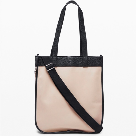 LULELEMON Multifunctional Tote Large in Blush